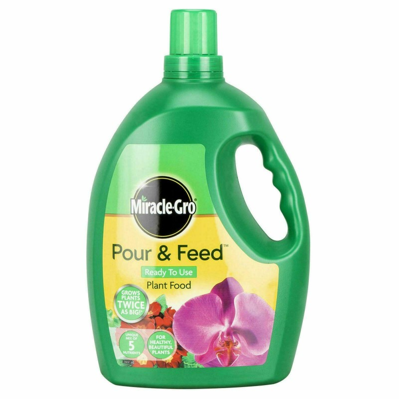 Miracle-Gro Pour & Feed Plant Food 3L